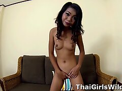 Sexy Thai spinner ready for some fucky fucky