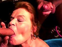 plumper Oma liebt gro  en Schwanz in ihren Mund und Muschi