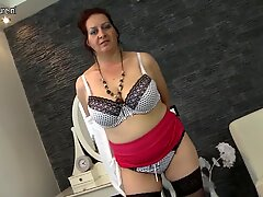 Big breasted mature mother hungry for fuck