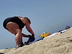 SSBBW Granny in Bikini Lots of Cellulite!!
