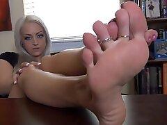 sexy blondie Britt brilliant feet JOI foot tease