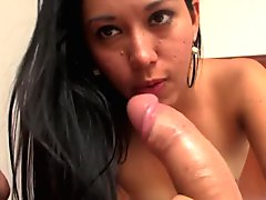 REAL AMATEUR STREET PICK UP TO FACE FUCK