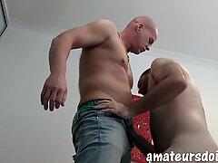Sexy bald amateur daddy pounds scruffy stud bareback