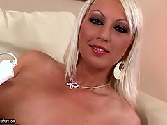 Marvelous video of the sexy babe Bianca Golden